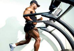 Един добър начин за намаляване на телесните мазнини е кардио тренировка.