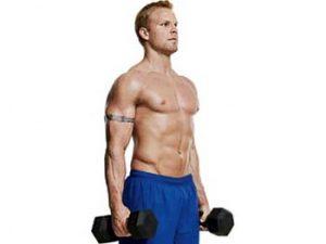 Ефективно упражнение за бицепс с дъмбели от стоеж.